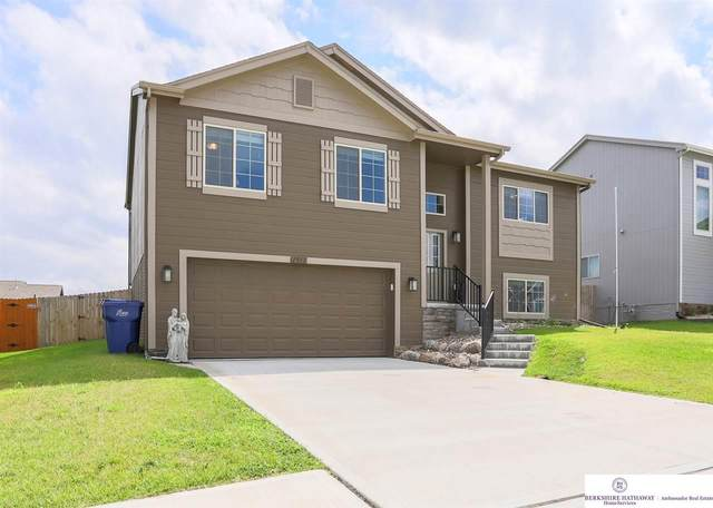 1911 Mesa Street, Bellevue, NE 68123 (MLS #22019820) :: The Excellence Team