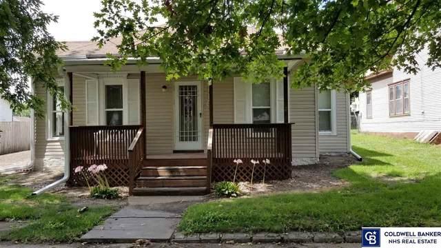 1115 N Grant Avenue, York, NE 68467 (MLS #22019952) :: kwELITE
