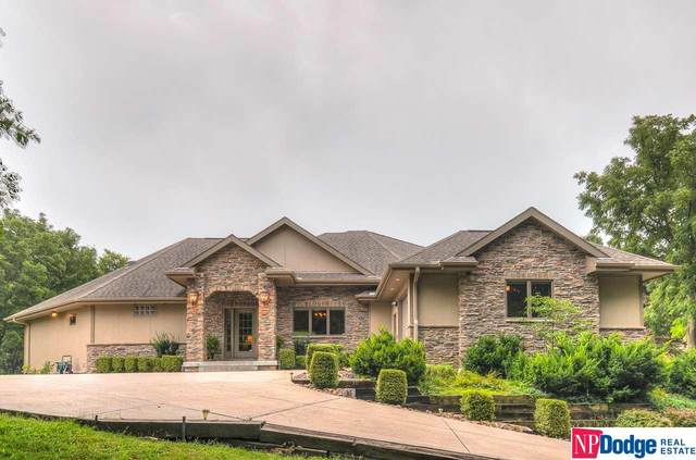 911 Zinsmaster Court, Bellevue, NE 68005 (MLS #22020311) :: Omaha Real Estate Group