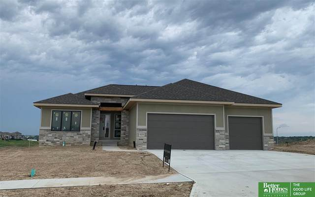 10228 Osprey Lane, Papillion, NE 68046 (MLS #22020409) :: Dodge County Realty Group