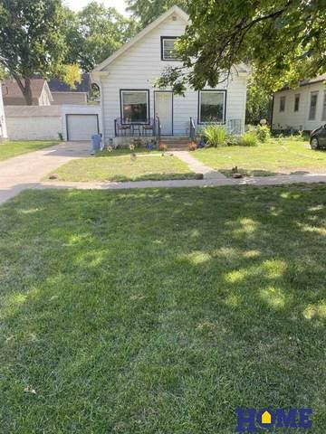 2537 S Street, Lincoln, NE 68503 (MLS #22020459) :: The Homefront Team at Nebraska Realty