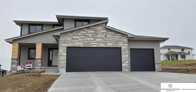18315 Larimore Street, Elkhorn, NE 68022 (MLS #22020685) :: The Briley Team
