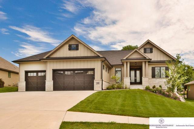 10809 S 174th Avenue, Omaha, NE 68136 (MLS #22020687) :: Catalyst Real Estate Group