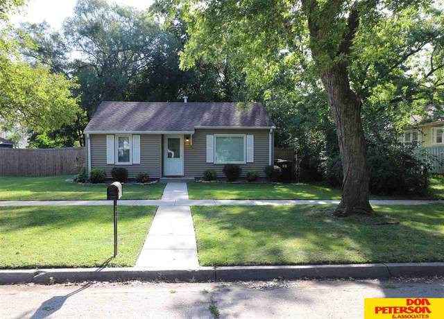 1420 N Logan, Fremont, NE 68025 (MLS #22020763) :: The Homefront Team at Nebraska Realty