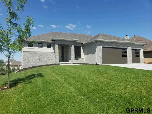 4811 N 192 Avenue, Elkhorn, NE 68022 (MLS #22020952) :: The Homefront Team at Nebraska Realty