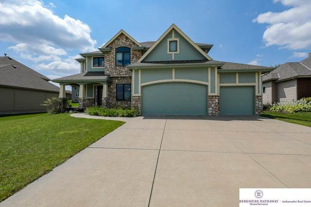 2050 Stillwater Drive, Papillion, NE 68046 (MLS #22021144) :: Cindy Andrew Group