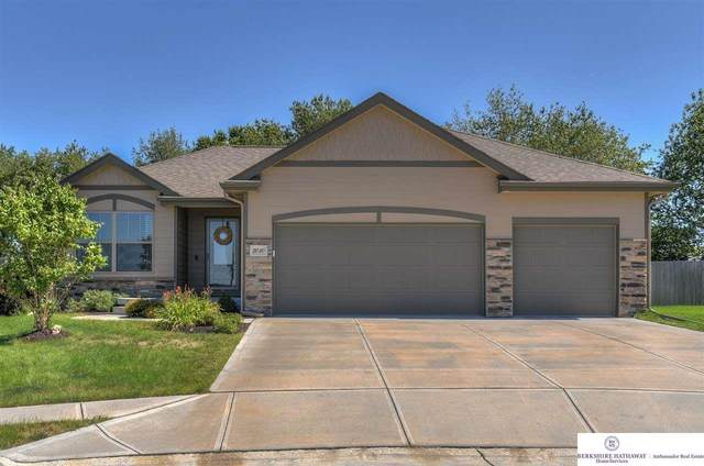 2010 Gindy Circle, Bellevue, NE 68147 (MLS #22021334) :: Capital City Realty Group