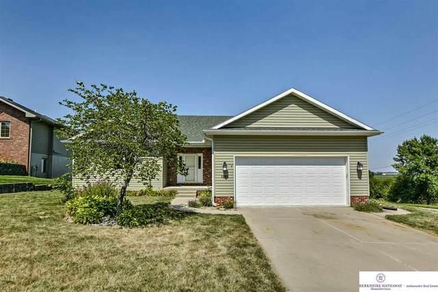 1002 Flynn Drive, Blair, NE 68008 (MLS #22021432) :: The Homefront Team at Nebraska Realty