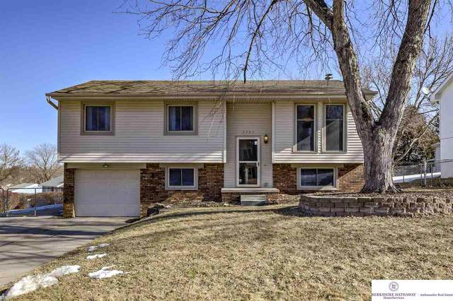 7727 Cottonwood Avenue, La Vista, NE 68128 (MLS #22021663) :: Omaha Real Estate Group