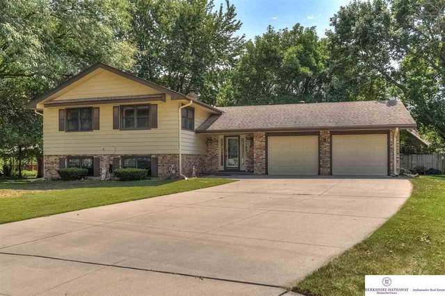 321 Sherwood Circle, Gretna, NE 68028 (MLS #22021745) :: Capital City Realty Group