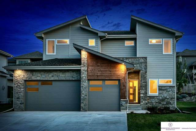 18977 Manderson Street, Elkhorn, NE 68022 (MLS #22021903) :: The Briley Team