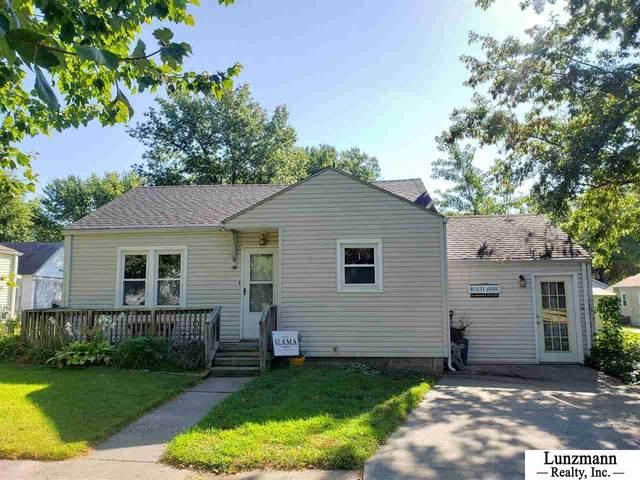 2211 L Street, Auburn, NE 68305 (MLS #22021988) :: Stuart & Associates Real Estate Group