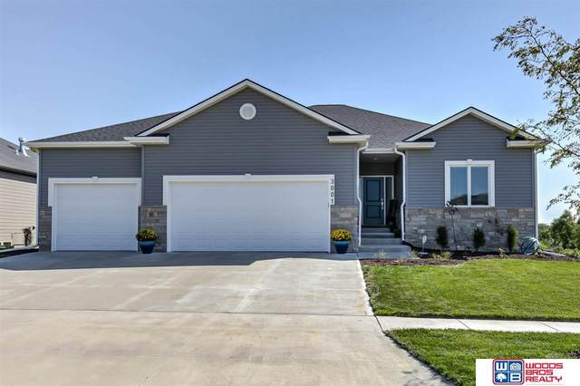 3001 South Creek Road, Lincoln, NE 68516 (MLS #22022425) :: The Excellence Team