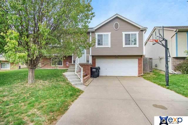 18910 R Street, Omaha, NE 68135 (MLS #22022672) :: Lincoln Select Real Estate Group