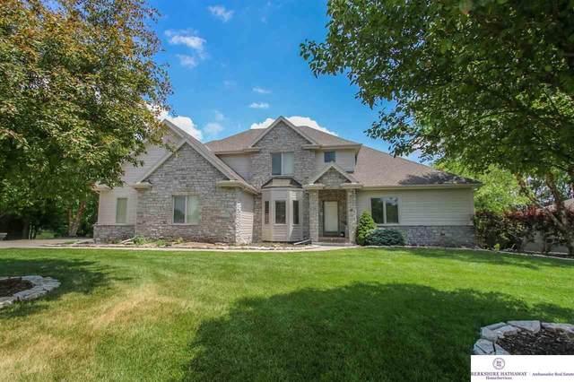 1219 Ranch View Lane, Omaha, NE 68022 (MLS #22022721) :: The Homefront Team at Nebraska Realty