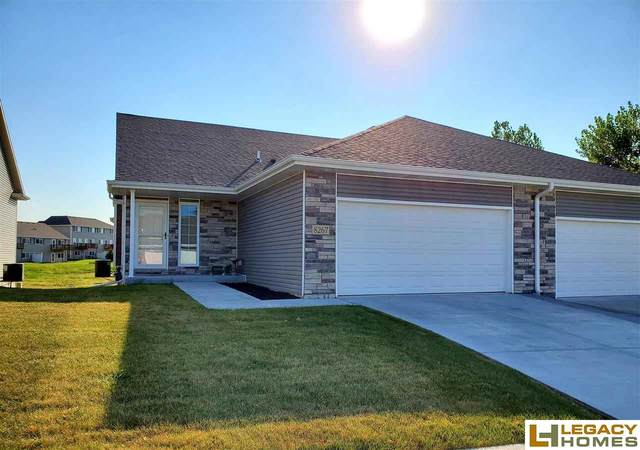 8267 Sutherland Street, Lincoln, NE 68526 (MLS #22022775) :: The Excellence Team
