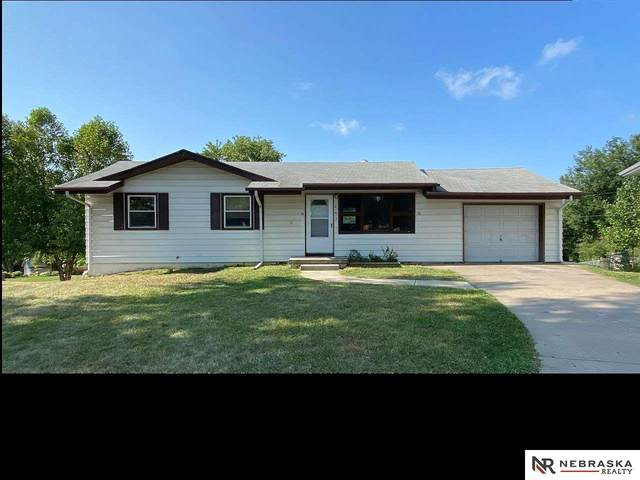 442 Highland Drive, Gretna, NE 68028 (MLS #22022889) :: The Homefront Team at Nebraska Realty