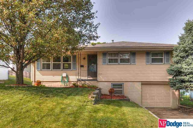 8110 Bowie Drive, Omaha, NE 68114 (MLS #22023108) :: The Homefront Team at Nebraska Realty