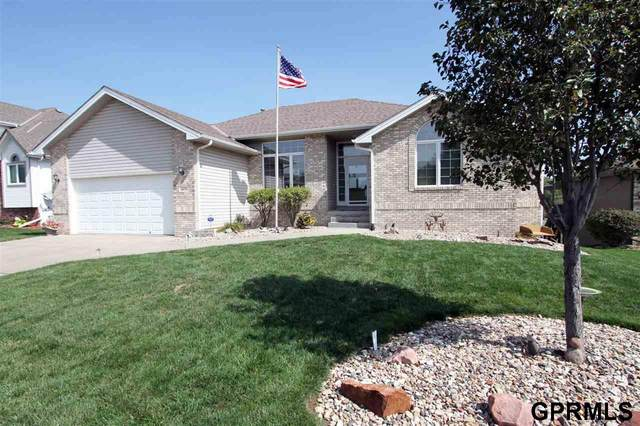 19434 Davy Jones Circle, Plattsmouth, NE 68048 (MLS #22023263) :: kwELITE