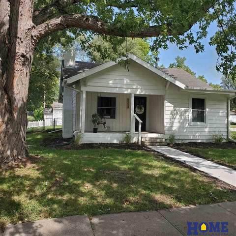6954 Fairfax Avenue, Lincoln, NE 68505 (MLS #22023294) :: Dodge County Realty Group
