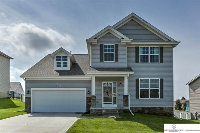 12127 Elmwood Drive, Bennington, NE 68007 (MLS #22023357) :: Catalyst Real Estate Group