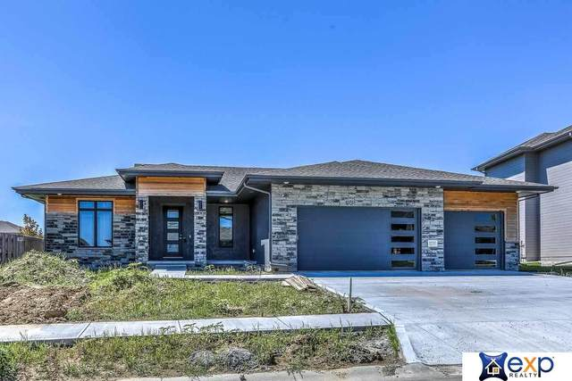 7022 N 172 Street, Bennington, NE 68007 (MLS #22023370) :: Catalyst Real Estate Group