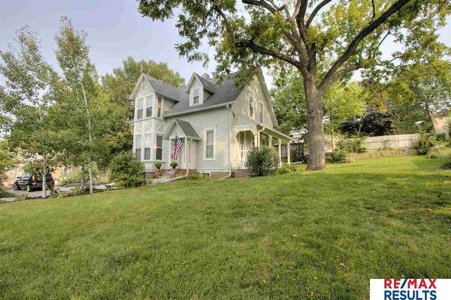 4606 Center Street, Omaha, NE 68106 (MLS #22023391) :: kwELITE