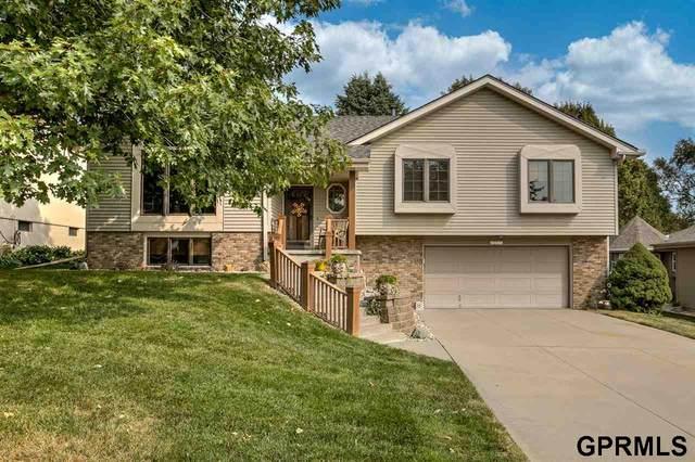 17022 Hickory Circle, Omaha, NE 68130 (MLS #22023421) :: Dodge County Realty Group