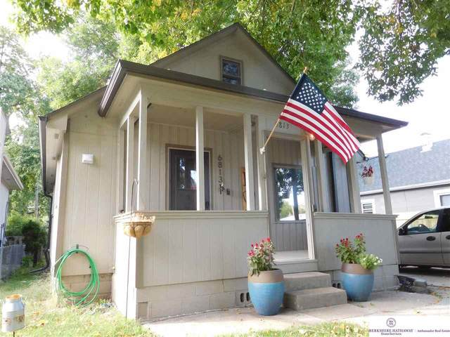 6813 Mayberry Street, Omaha, NE 68106 (MLS #22023456) :: Complete Real Estate Group