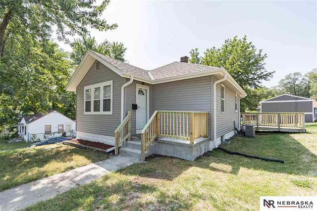 4002 N 44th Street, Omaha, NE 68111 (MLS #22023548) :: Complete Real Estate Group