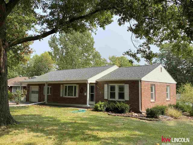 2944 S 41st Street, Lincoln, NE 68506 (MLS #22023613) :: Catalyst Real Estate Group