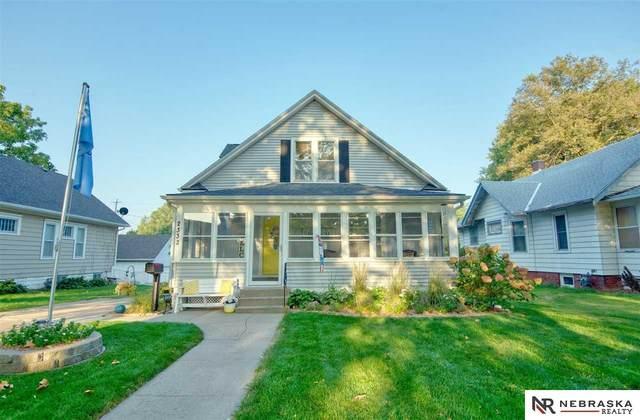 2332 N 60th Avenue, Omaha, NE 68104 (MLS #22023646) :: Omaha Real Estate Group