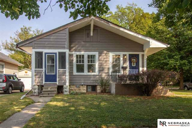 945 S 32Nd Street, Lincoln, NE 68510 (MLS #22023662) :: Lincoln Select Real Estate Group