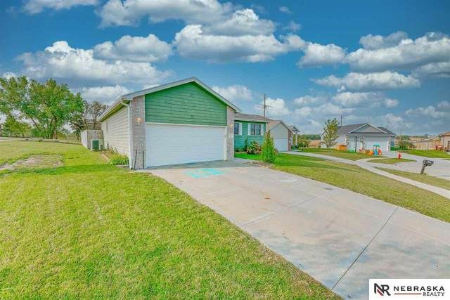 235 Sycamore Place, Hickman, NE 68372 (MLS #22023672) :: Dodge County Realty Group