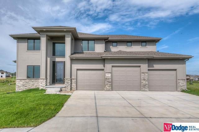 18822 Grand Avenue, Elkhorn, NE 68022 (MLS #22023693) :: The Briley Team