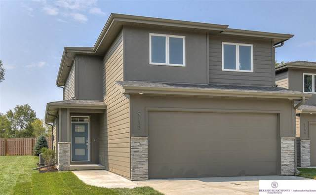 9718 Southby Plaza, Omaha, NE 68124 (MLS #22023726) :: Catalyst Real Estate Group