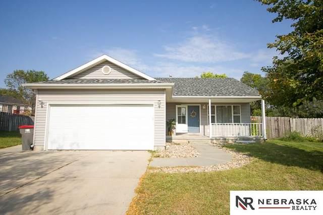 1505 W Garfield Circle, Lincoln, NE 68522 (MLS #22023736) :: kwELITE