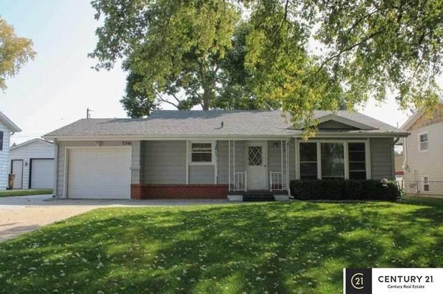 7501 S 52nd Street, Bellevue, NE 68157 (MLS #22023780) :: Catalyst Real Estate Group