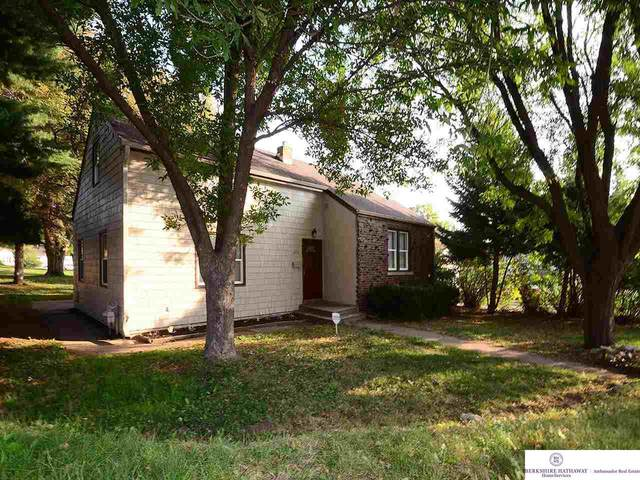 3014 Reynolds Street, Omaha, NE 68112 (MLS #22023782) :: Complete Real Estate Group