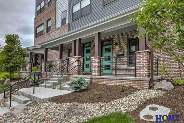923 S 31st Street, Omaha, NE 68105 (MLS #22023812) :: Catalyst Real Estate Group