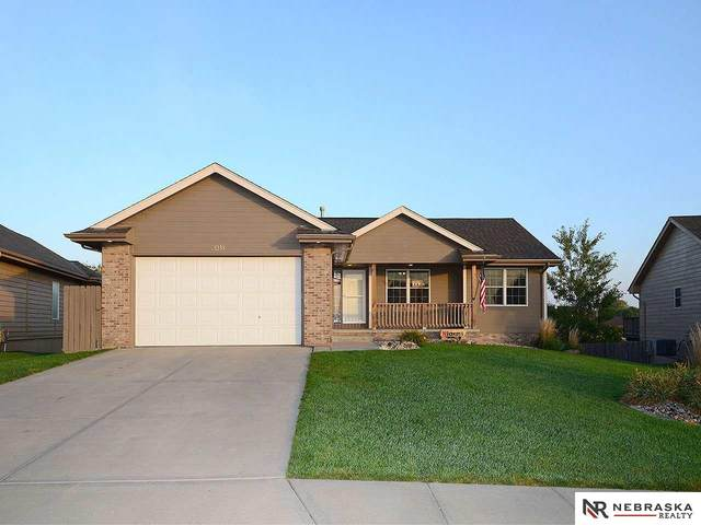 21318 Stonehaven Court, Gretna, NE 68028 (MLS #22023853) :: The Briley Team