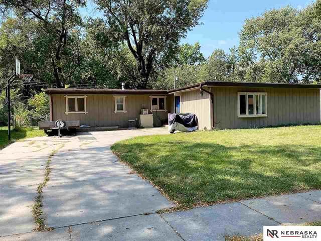 701 Eastborough Lane, Lincoln, NE 68505 (MLS #22023933) :: Omaha Real Estate Group