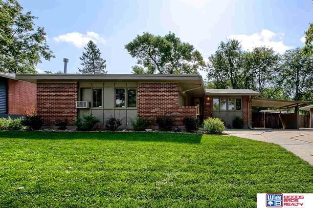 6837 Vine Street, Lincoln, NE 68505 (MLS #22023954) :: Omaha Real Estate Group