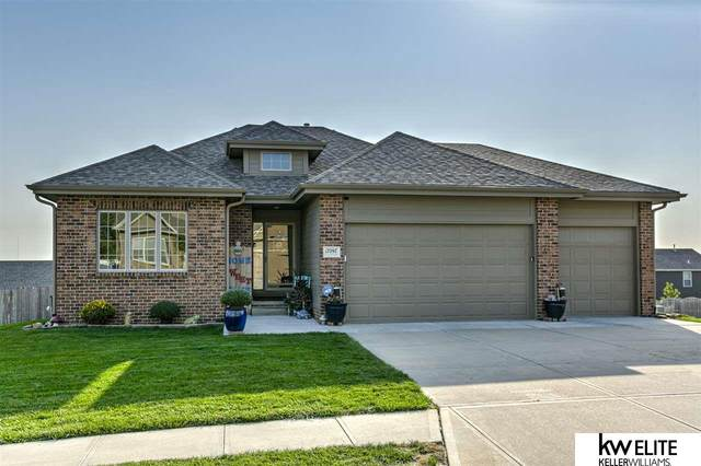 17097 Christensen Road, Gretna, NE 68028 (MLS #22023977) :: The Excellence Team