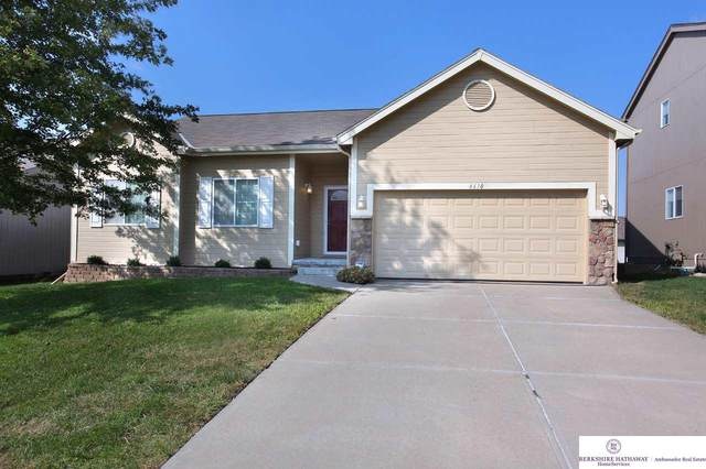 4610 Clearwater Drive, Papillion, NE 68133 (MLS #22023992) :: One80 Group/Berkshire Hathaway HomeServices Ambassador Real Estate