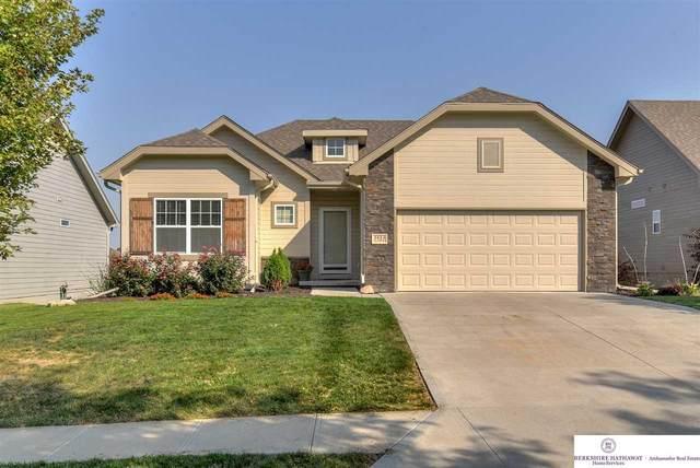 5413 N 155 Street, Omaha, NE 68116 (MLS #22024048) :: Dodge County Realty Group