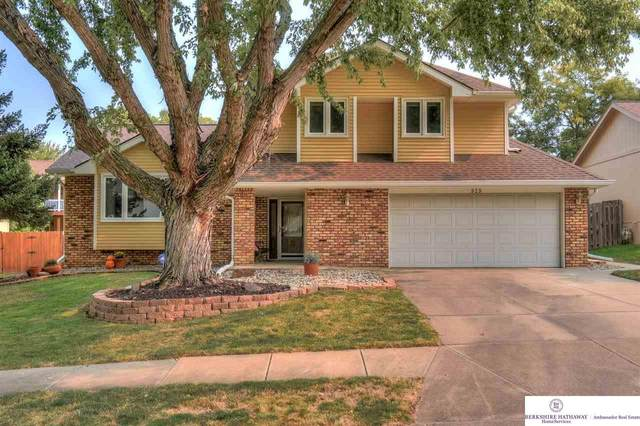 939 N 150 Street, Omaha, NE 68154 (MLS #22024233) :: Stuart & Associates Real Estate Group