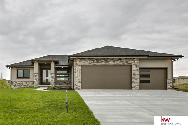 18216 Cheyenne Road, Omaha, NE 68136 (MLS #22024263) :: Omaha Real Estate Group