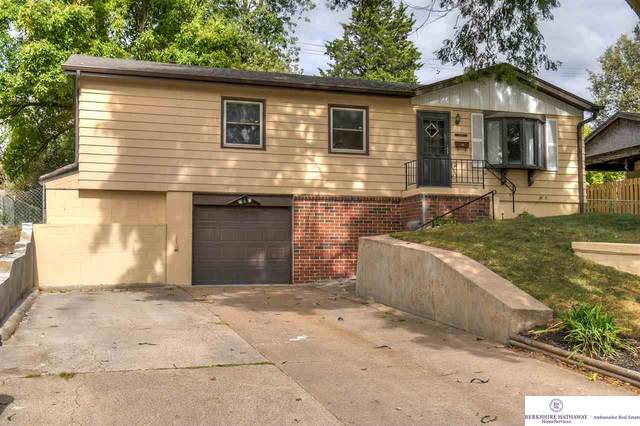 8910 Laurie Circle, Omaha, NE 68124 (MLS #22024288) :: Dodge County Realty Group