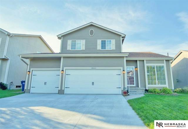 18641 Anne Street, Omaha, NE 68135 (MLS #22024390) :: One80 Group/Berkshire Hathaway HomeServices Ambassador Real Estate